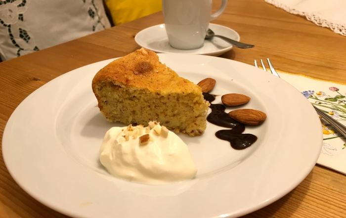 Topfen-Mandel-Torte