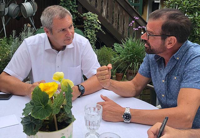 Der slowenische Parlamentspräsident Dejan Zidan bei Biogärtner Karl Ploberger