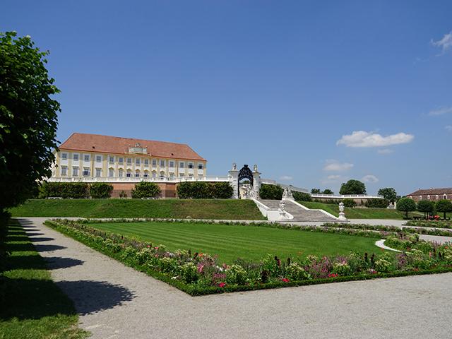Schloss Hof im Marchfeld (Bild: ORF/Leopold Mayrhofer/Natur im Garten)
